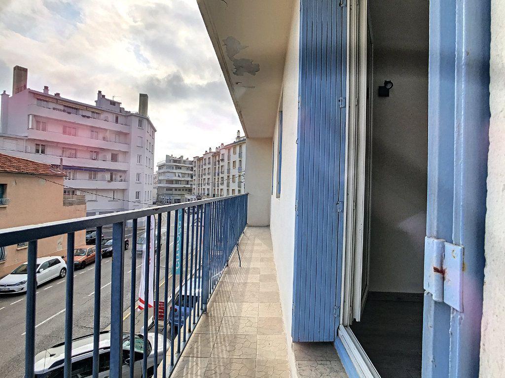 Appartement à vendre 3 56m2 à La Seyne-sur-Mer vignette-6