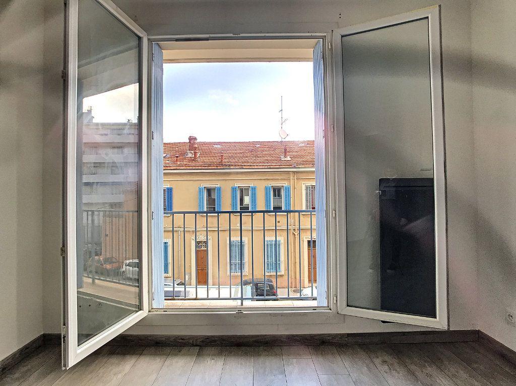Appartement à vendre 3 56m2 à La Seyne-sur-Mer vignette-10