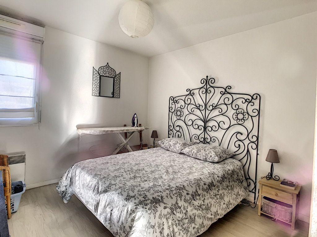 Appartement à vendre 3 62.45m2 à La Seyne-sur-Mer vignette-5
