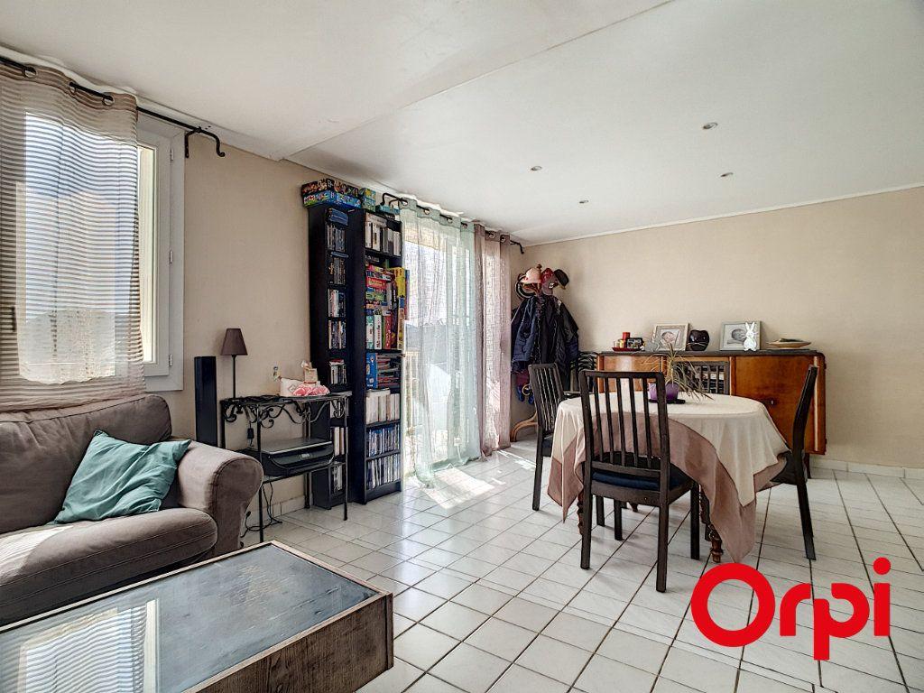 Appartement à vendre 4 65m2 à La Seyne-sur-Mer vignette-2
