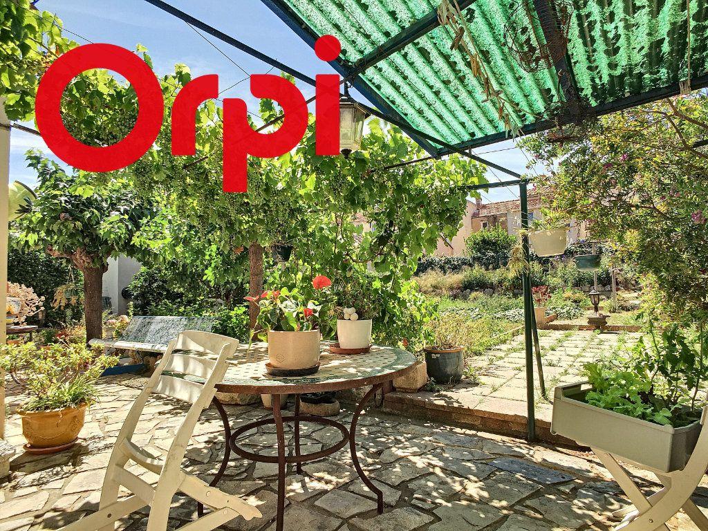 Maison à vendre 8 220m2 à La Seyne-sur-Mer vignette-5
