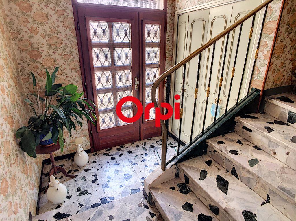 Maison à vendre 8 220m2 à La Seyne-sur-Mer vignette-7
