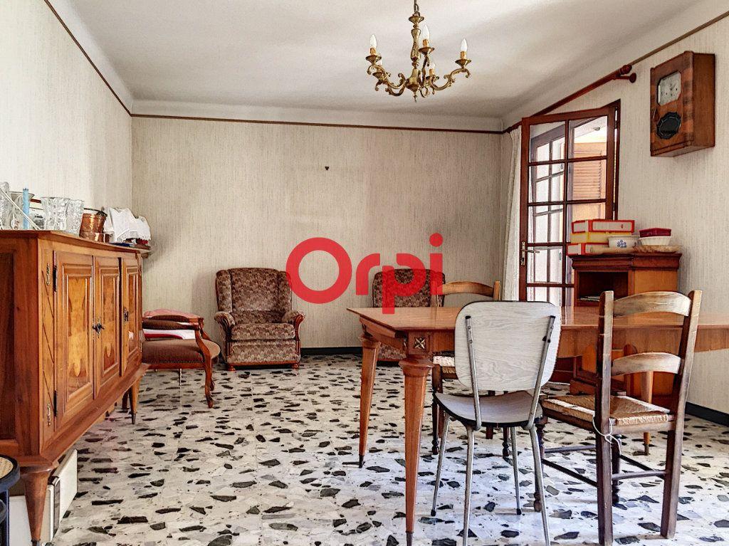 Maison à vendre 8 220m2 à La Seyne-sur-Mer vignette-9