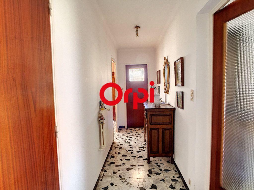 Maison à vendre 8 220m2 à La Seyne-sur-Mer vignette-14