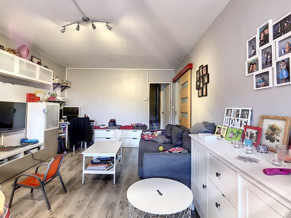 Appartement à vendre 4 80m2 à Saint-Mandrier-sur-Mer vignette-1