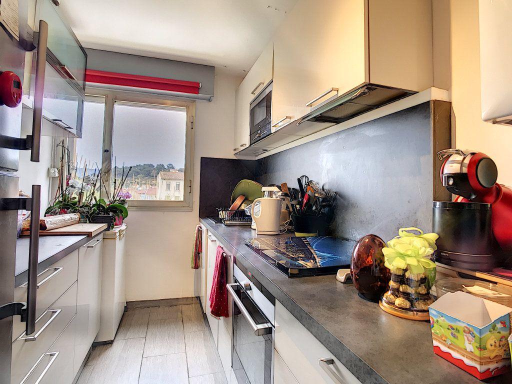Appartement à vendre 4 80m2 à Saint-Mandrier-sur-Mer vignette-2