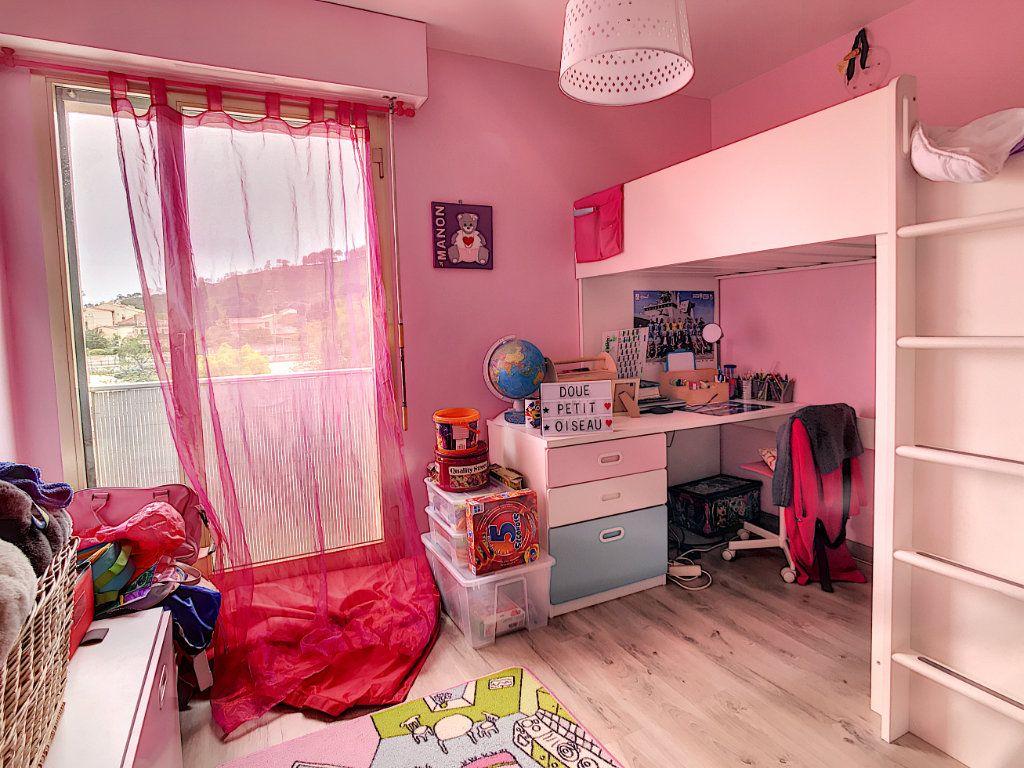 Appartement à vendre 4 80m2 à Saint-Mandrier-sur-Mer vignette-8