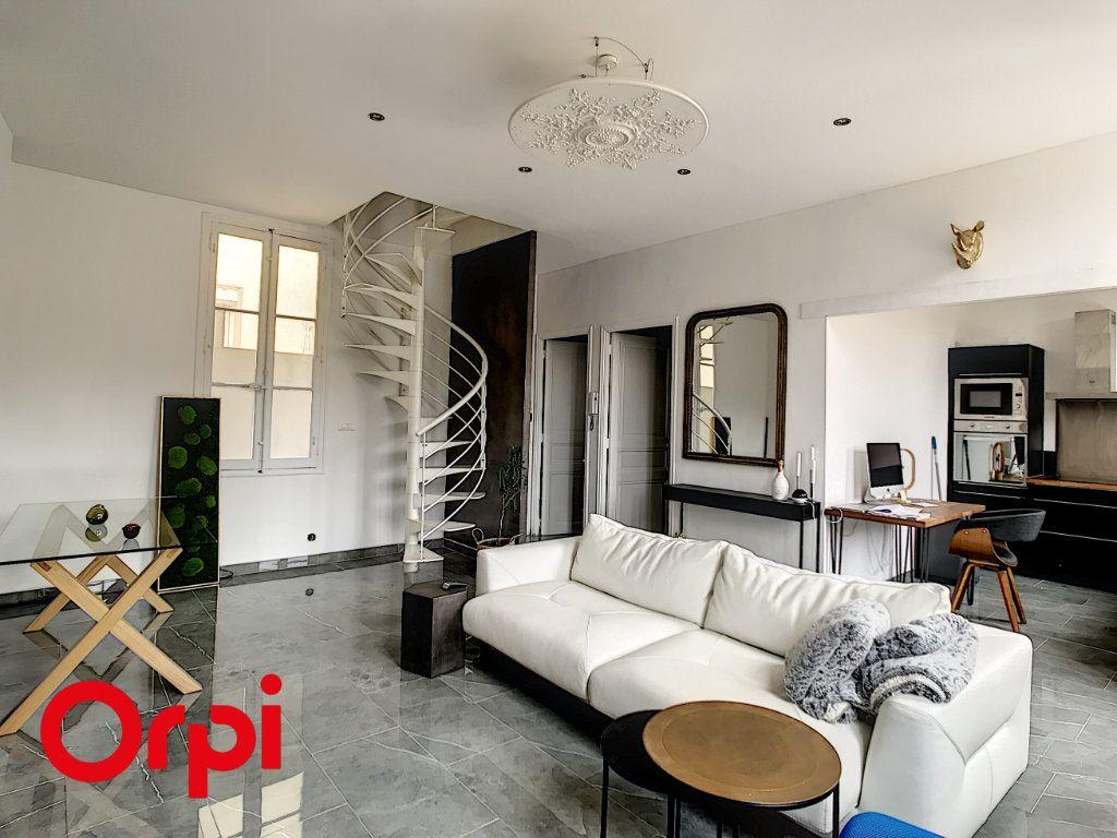 Appartement à vendre 3 59.39m2 à Ollioules vignette-1