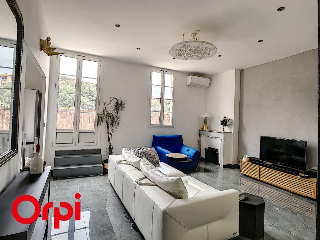 Appartement à vendre 3 59.39m2 à Ollioules vignette-2