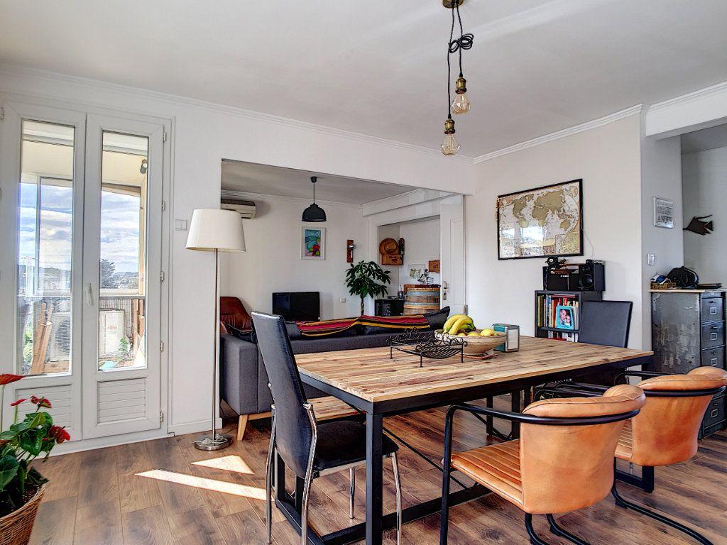 Appartement à vendre 4 67m2 à La Seyne-sur-Mer vignette-1