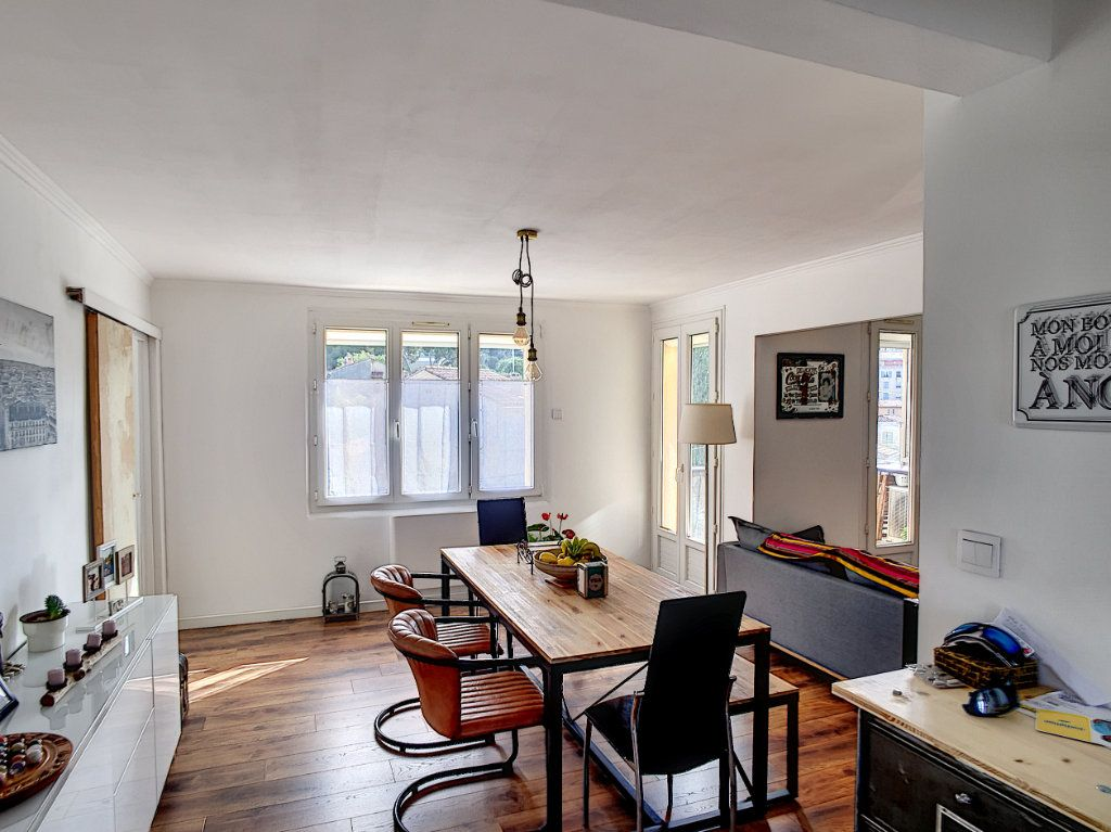 Appartement à vendre 4 67m2 à La Seyne-sur-Mer vignette-8