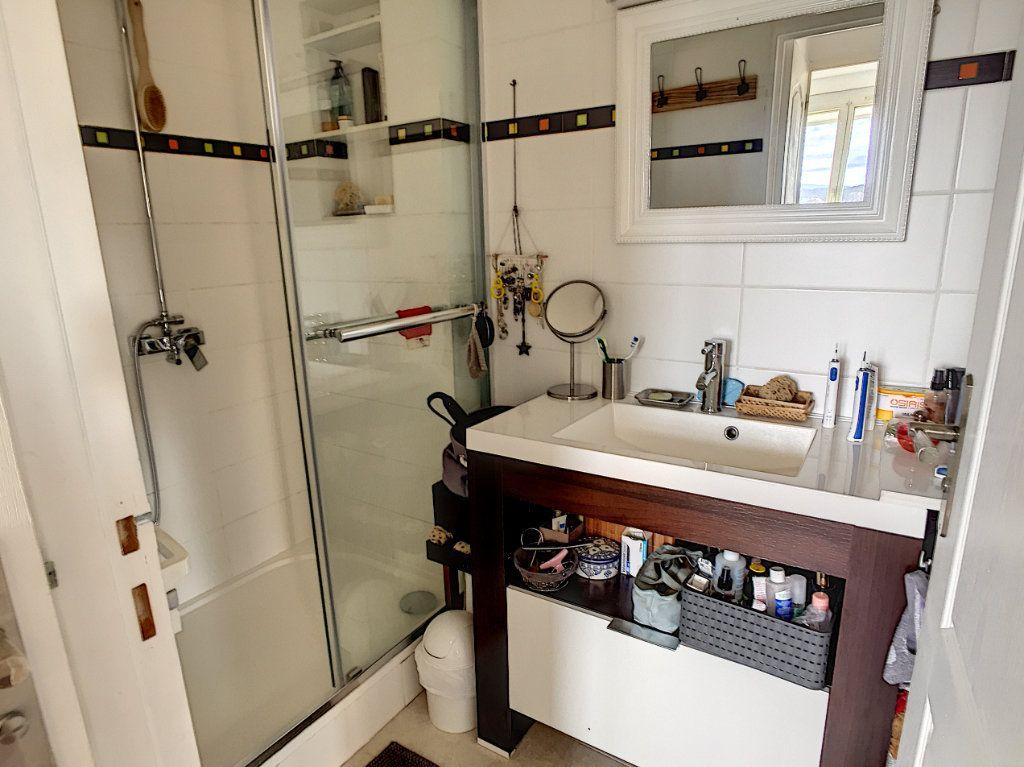 Appartement à vendre 4 67m2 à La Seyne-sur-Mer vignette-10