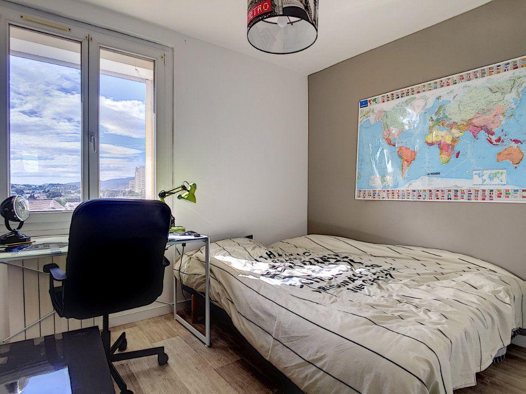 Appartement à vendre 4 67m2 à La Seyne-sur-Mer vignette-12