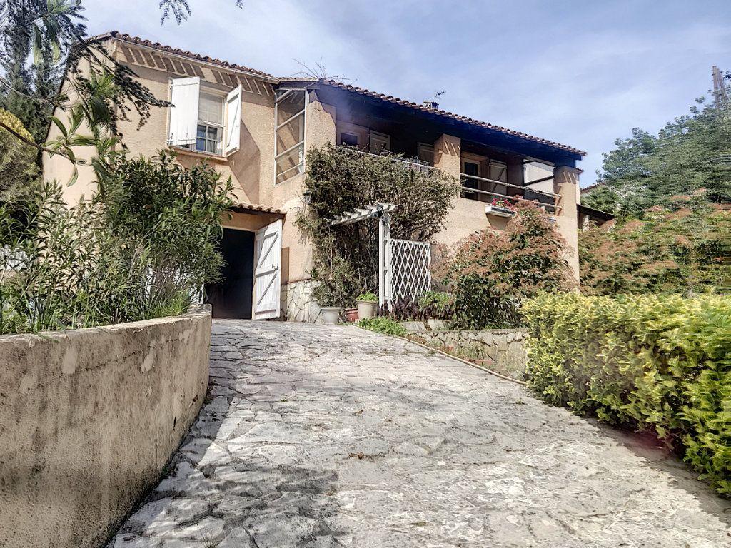 Maison à vendre 3 82m2 à La Seyne-sur-Mer vignette-17