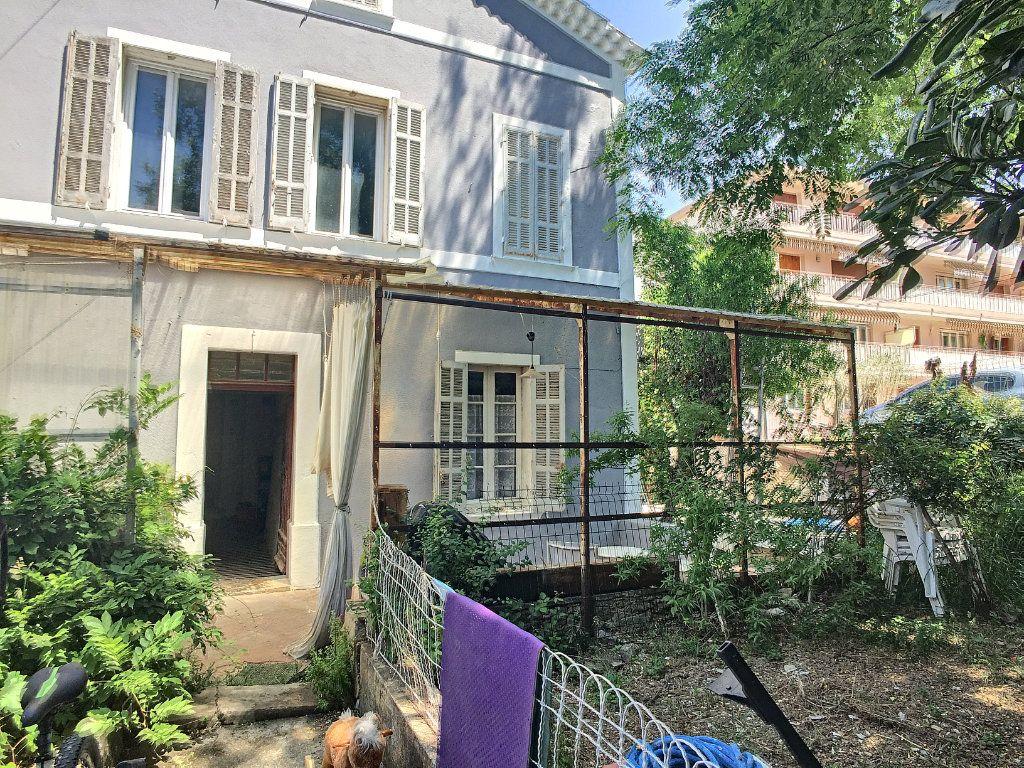 Appartement à vendre 1 29.71m2 à La Seyne-sur-Mer vignette-5