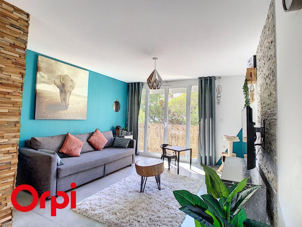 Appartement à vendre 4 68.45m2 à La Seyne-sur-Mer vignette-1