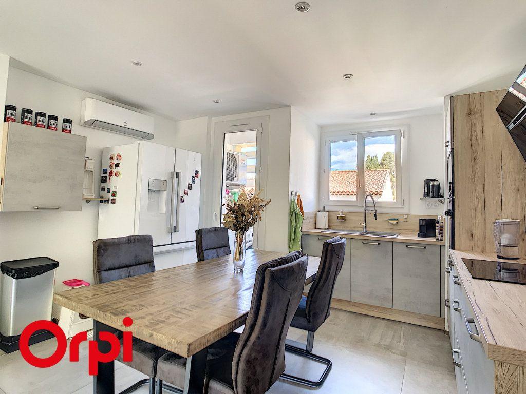 Appartement à vendre 4 68.45m2 à La Seyne-sur-Mer vignette-2