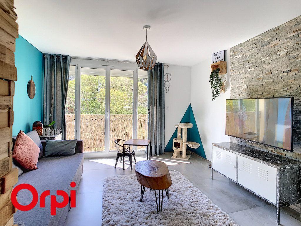 Appartement à vendre 4 68.45m2 à La Seyne-sur-Mer vignette-4