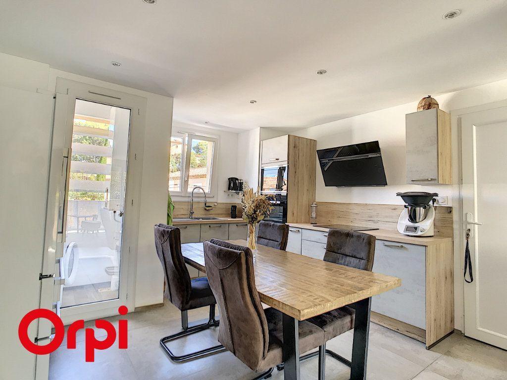 Appartement à vendre 4 68.45m2 à La Seyne-sur-Mer vignette-5