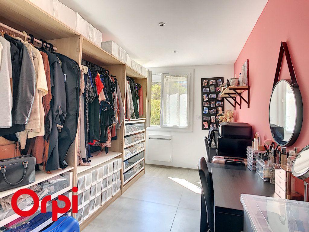 Appartement à vendre 4 68.45m2 à La Seyne-sur-Mer vignette-6