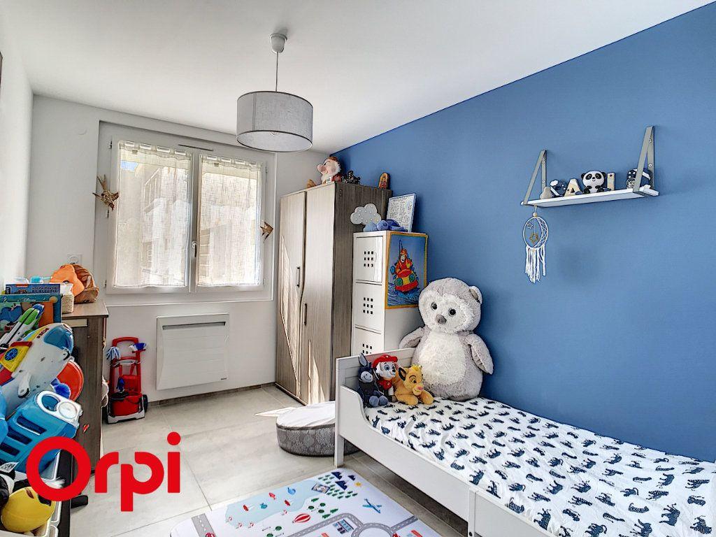 Appartement à vendre 4 68.45m2 à La Seyne-sur-Mer vignette-10