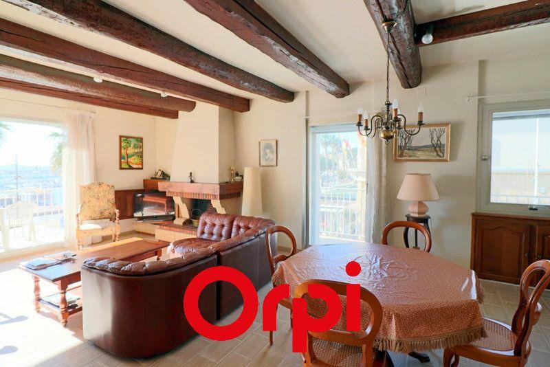 Appartement à vendre 3 80.37m2 à Bandol vignette-3