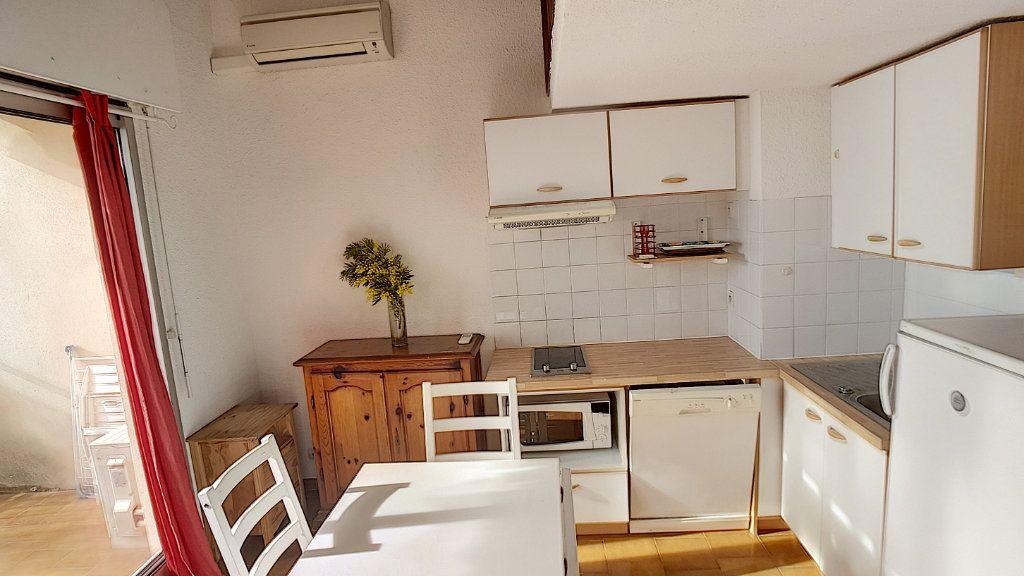 Appartement à louer 1 27.86m2 à Bandol vignette-2