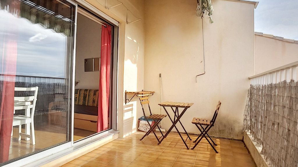 Appartement à louer 1 27.86m2 à Bandol vignette-6