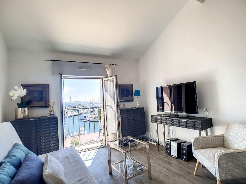 Appartement à louer 2 39.37m2 à Bandol vignette-2