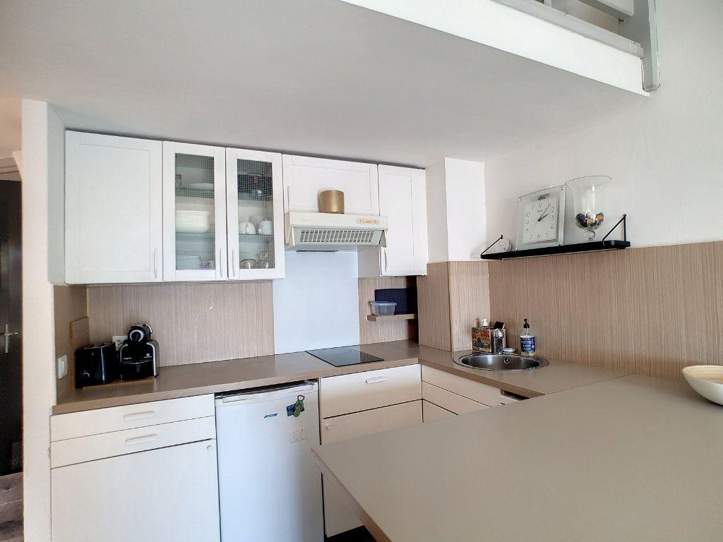 Appartement à louer 2 39.37m2 à Bandol vignette-4
