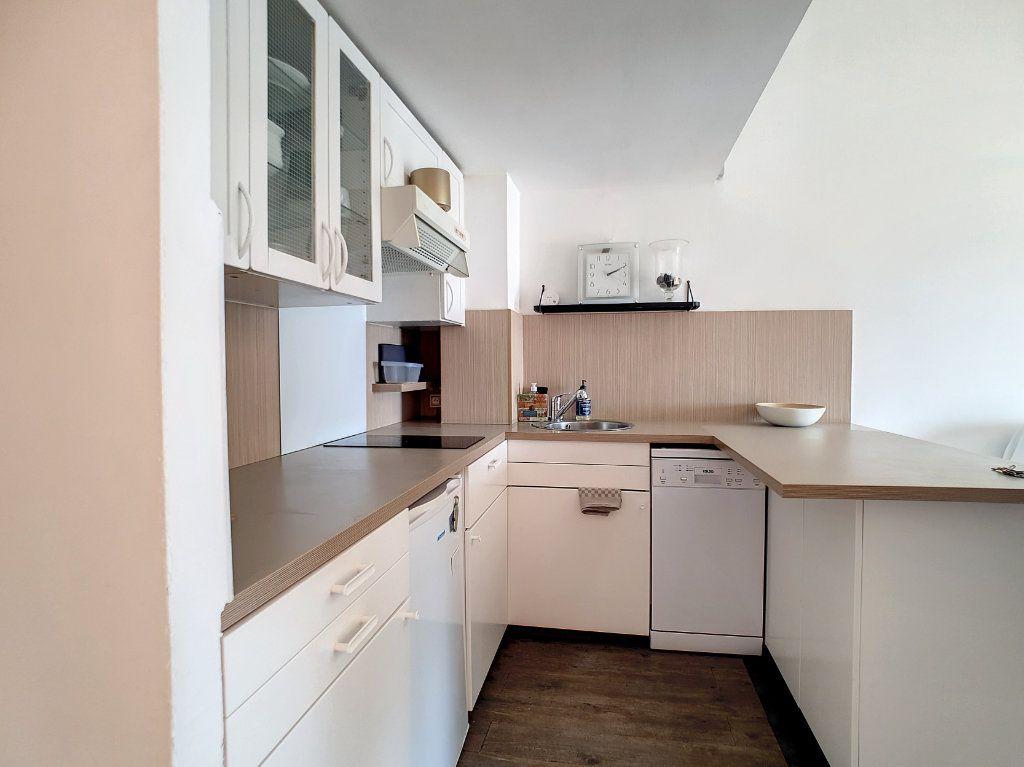 Appartement à louer 2 39.37m2 à Bandol vignette-5