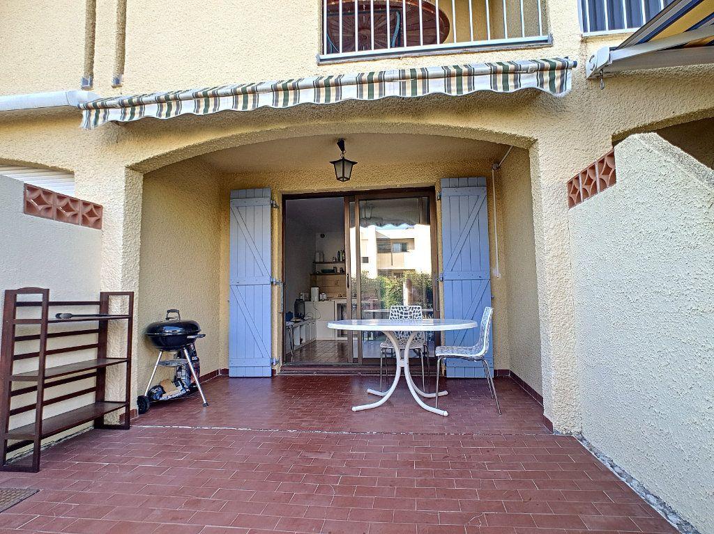 Appartement à louer 3 45.29m2 à Bandol vignette-3