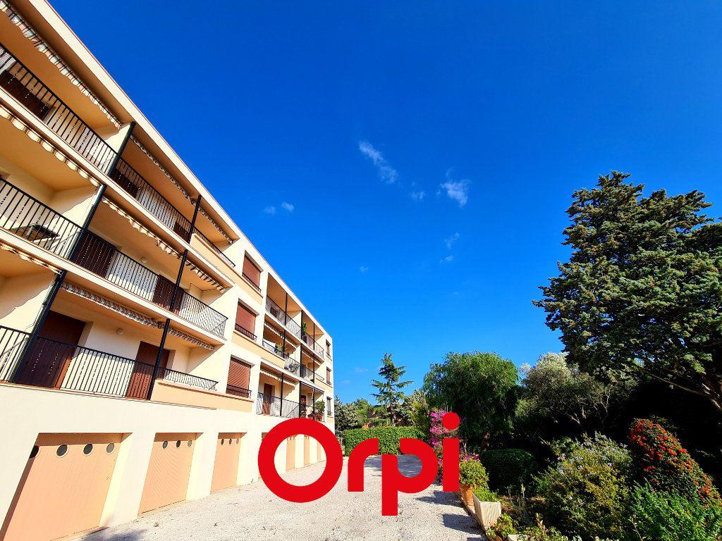 Appartement à vendre 3 83m2 à Bandol vignette-2