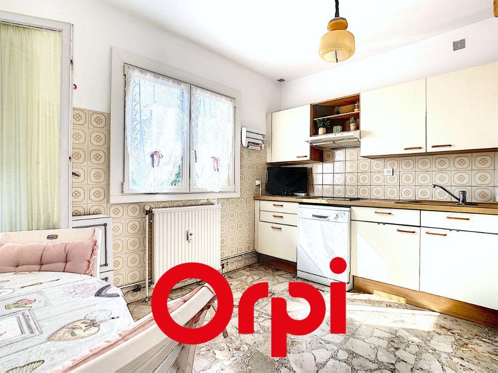 Appartement à vendre 3 70.41m2 à Bandol vignette-3