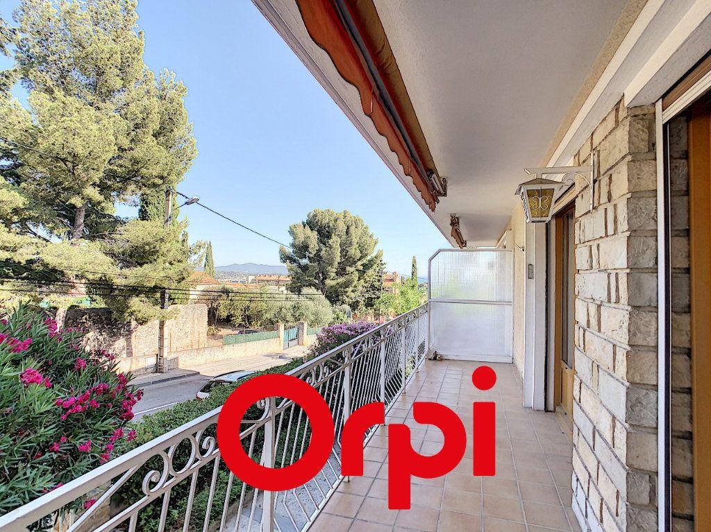 Appartement à vendre 3 70.41m2 à Bandol vignette-7