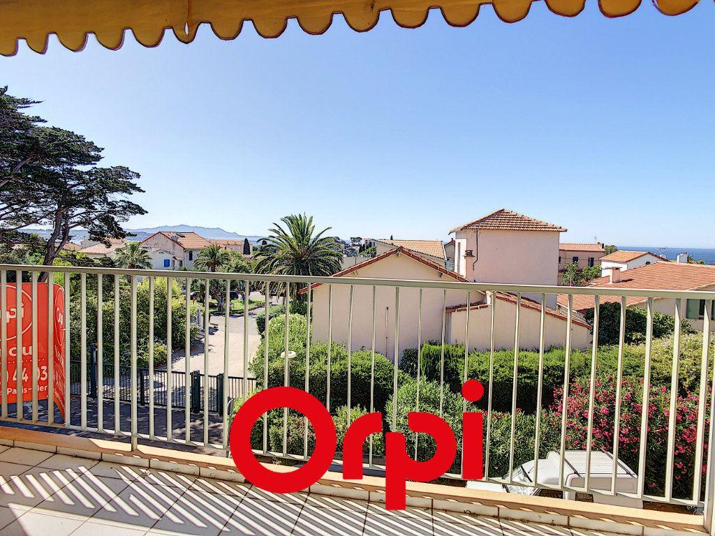 Appartement à vendre 3 79.43m2 à Bandol vignette-1