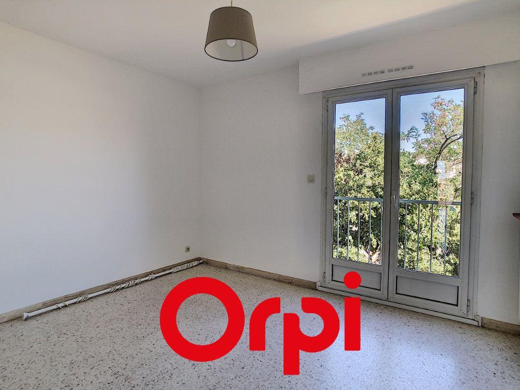 Appartement à vendre 3 79.43m2 à Bandol vignette-6
