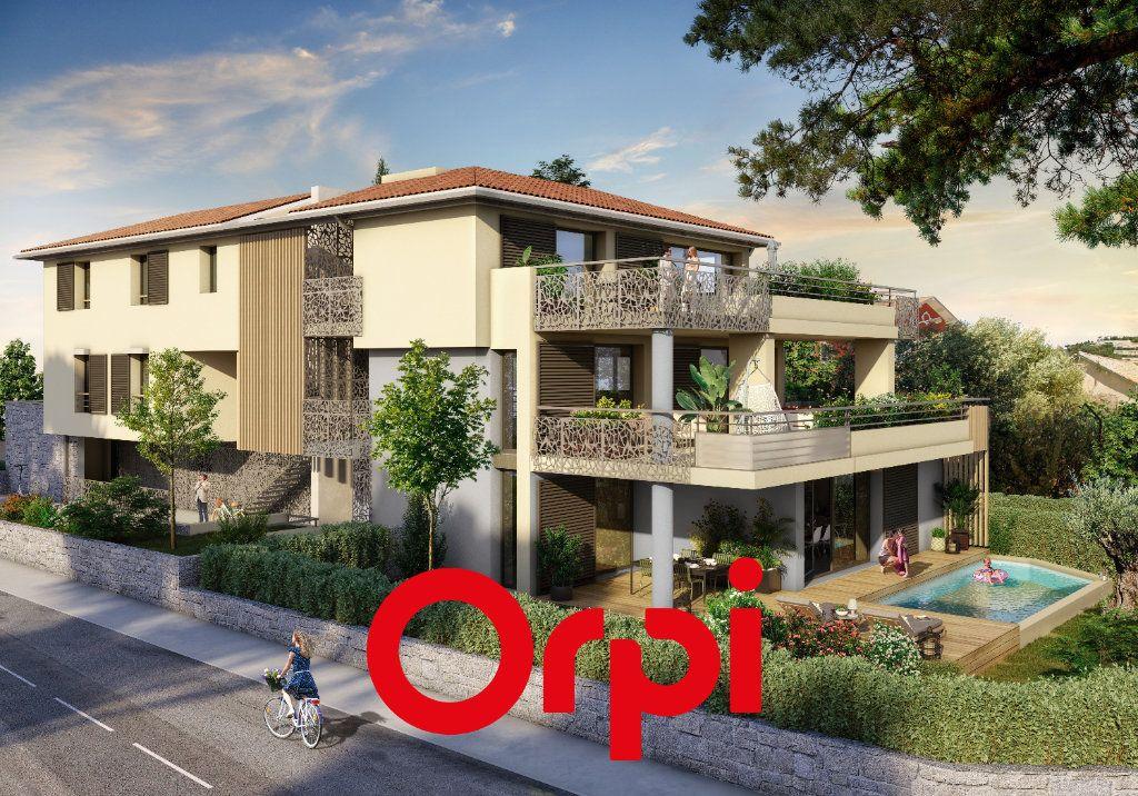 Appartement à vendre 4 173m2 à Bandol vignette-1
