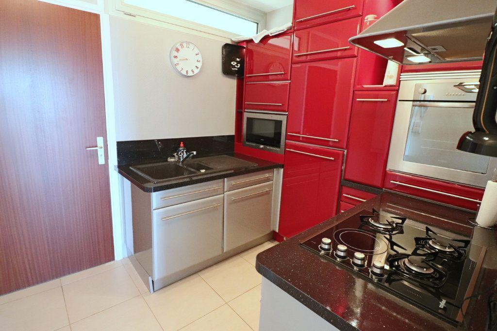 Appartement à vendre 4 51.87m2 à Bandol vignette-7