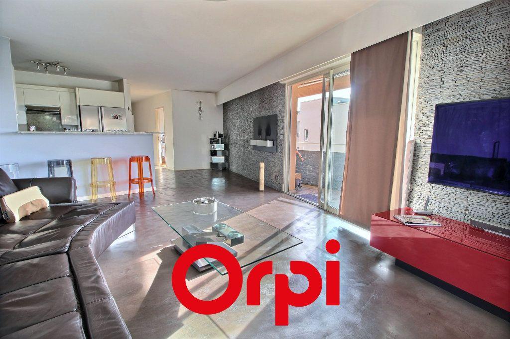Appartement à vendre 4 94.68m2 à Bandol vignette-2