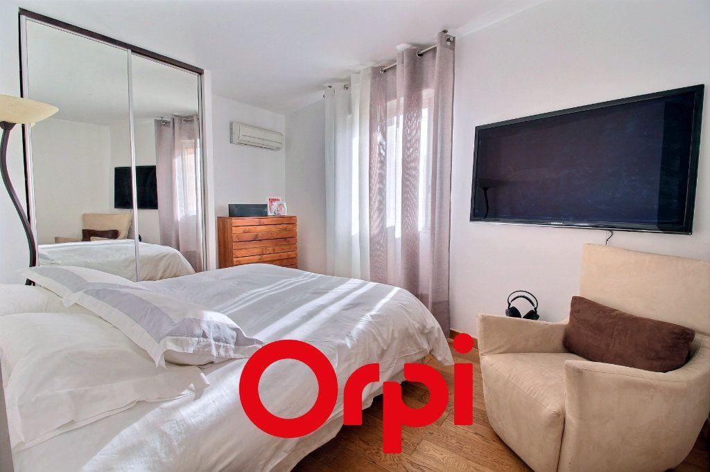 Appartement à vendre 4 94.68m2 à Bandol vignette-4