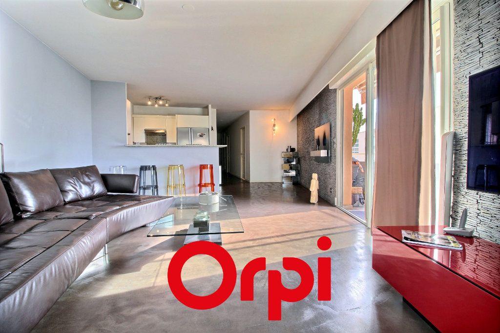 Appartement à vendre 4 94.68m2 à Bandol vignette-10