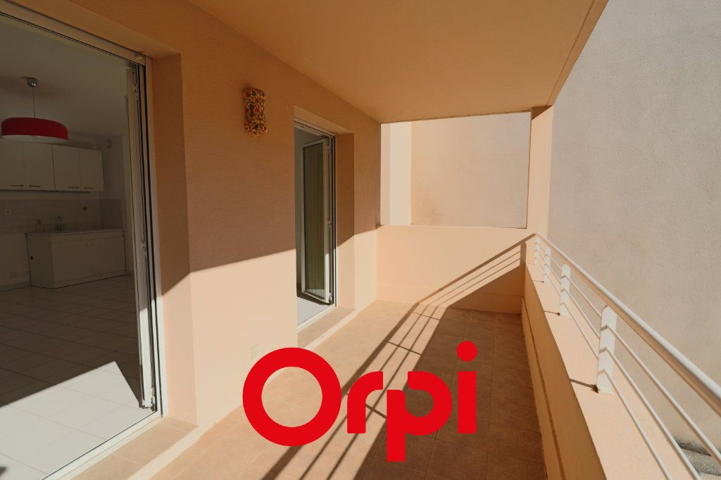 Appartement à vendre 2 52m2 à Bandol vignette-1