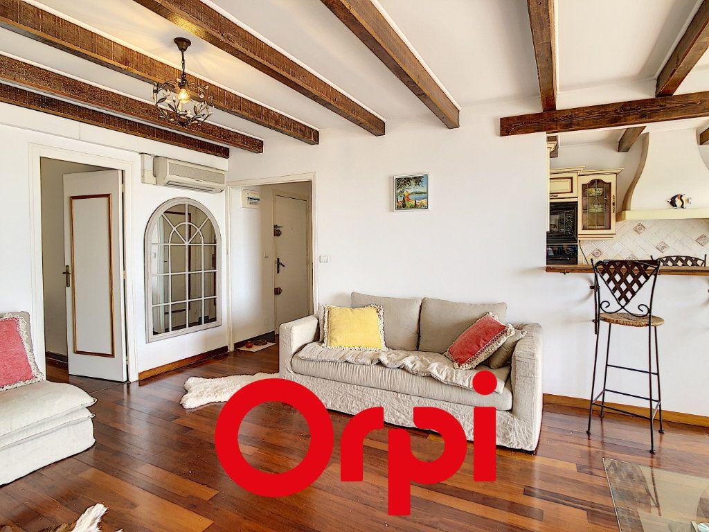 Appartement à vendre 3 70.41m2 à Bandol vignette-6