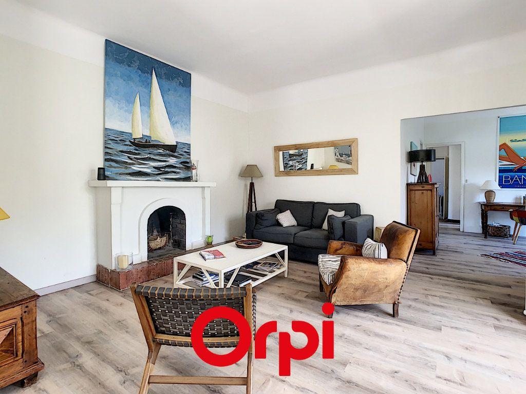 Appartement à vendre 5 110m2 à Bandol vignette-2