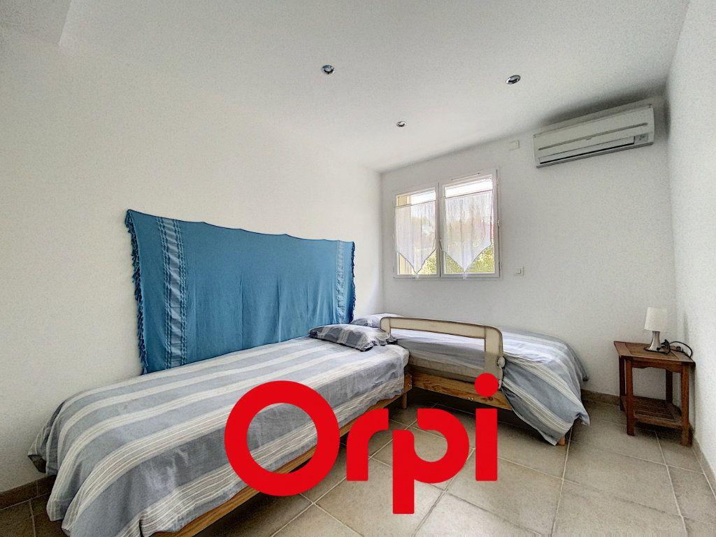Appartement à vendre 4 78.5m2 à Bandol vignette-7