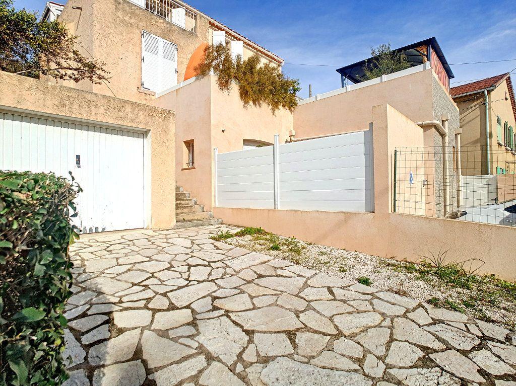 Appartement à vendre 3 70.05m2 à Bandol vignette-2