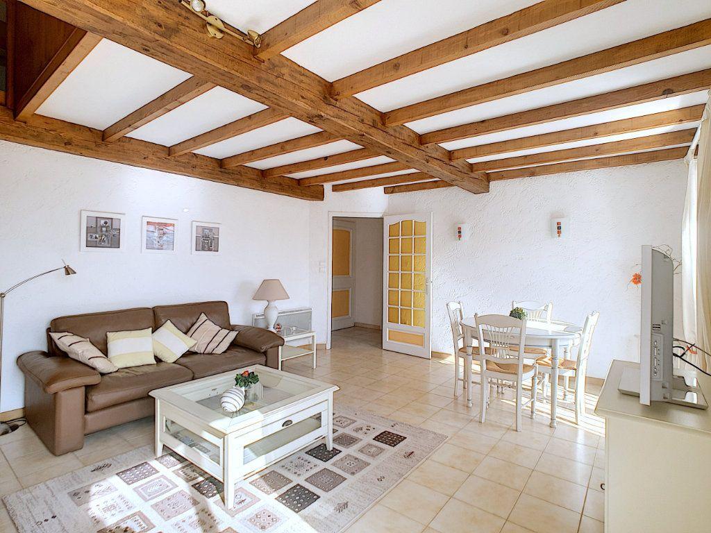 Appartement à vendre 3 70.05m2 à Bandol vignette-4