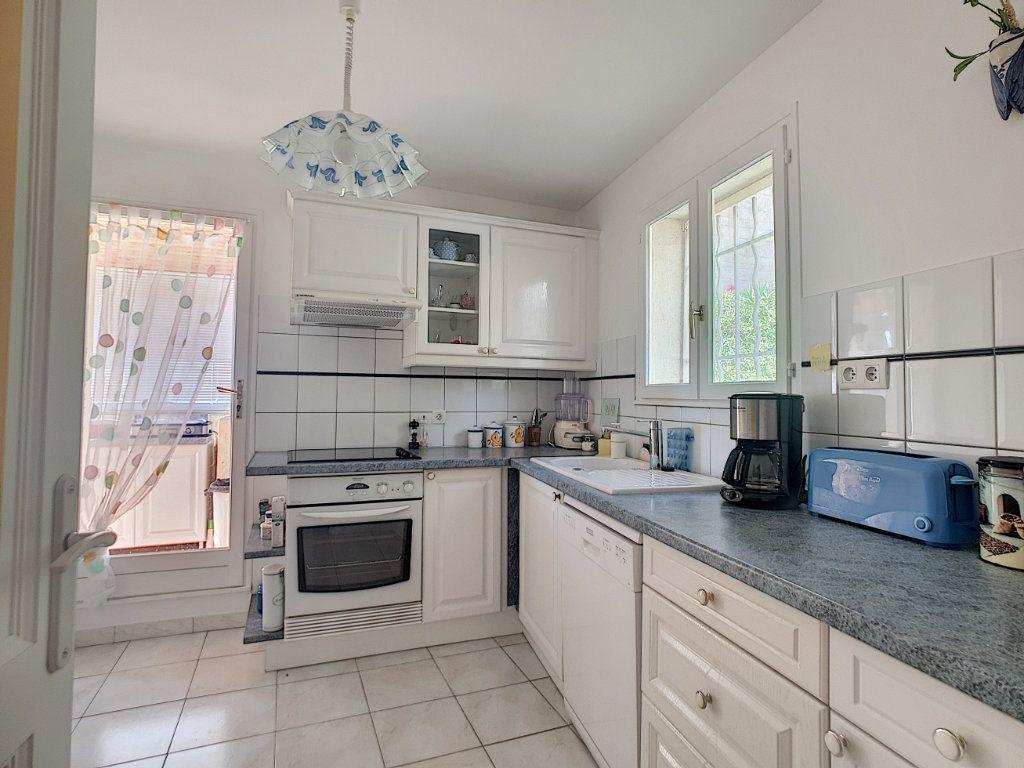 Appartement à vendre 3 70.05m2 à Bandol vignette-8