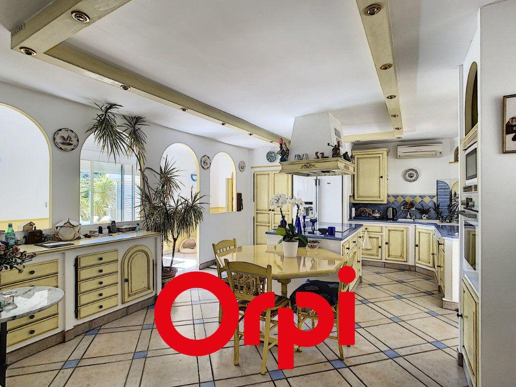 Maison à vendre 10 486m2 à La Cadière-d'Azur vignette-5